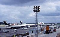 200px-London_heathrow_airport_in_1965_arp